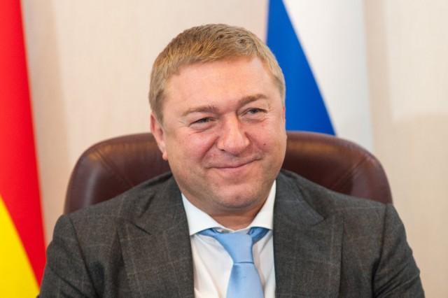 Мэр Калининграда разъяснил бесснежную зиму тем, что «перемолились»