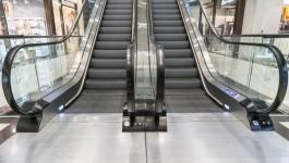 СК: В торговом центре на Сельме двухлетнему ребёнку оторвало часть пальца на эскалаторе