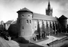 Московские архитекторы высказались за восстановление всего Королевского замка
