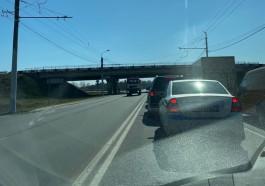 Автомобилисты жалуются на большие пробки на въездах в Калининград