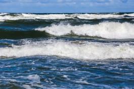 МЧС предупреждает об усилении ветра и больших волнах в Балтийском море