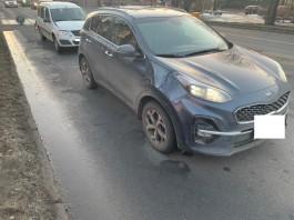 На улице Невского в Калининграде столкнулись «Лада» и «Киа»: два человека пострадали