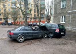 Ночью в Калининграде горели четыре автомобиля