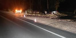 В Гвардейском округе пьяный подросток на «Опеле» врезался в дерево: пострадал 15-летний пассажир
