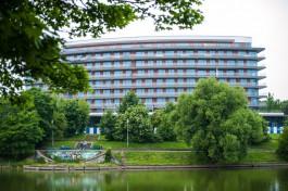 Пятизвёздочная гостиница Crystal House на Нижнем озере начала работать в тестовом режиме