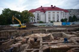 «Город под землёй»: на Нижнем озере раскопали фундамент кинотеатра «Урания» и остатки производства XVII века