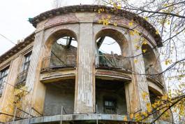 «С видом на звёздное небо»: как дожидается инвестора историческое здание торгового дома в Зеленоградске