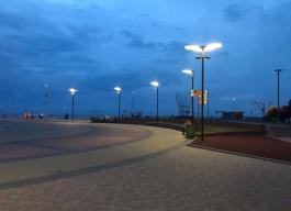В Зеленоградске заменили фонари на площади «Роза ветров»