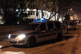 В Калининграде бойцы спецназа штурмом взяли квартиру с плантацией конопли